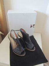 VGC IN BOX & DUSTBAG NICHOLAS KIRKWOOD BLACK CRACKED LEATHER SANDALS SIZE 6.5