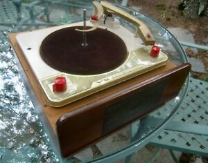 VOICE OF MUSIC RECORD PLAYER 4 SPD. AUTOMATIC - TURNTABLE TOP ONLY, WORKS, CLEAN