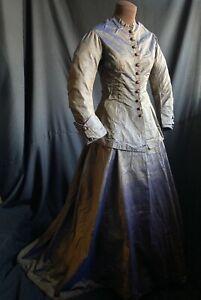 IRIDESCENT 1850s ANTIQUE CHANGEABLE PURPLE SILK DRESS