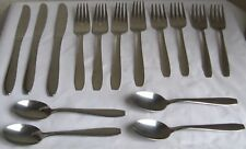 Wallace Stainless Flatware 15 Pieces Forks Spoons Knives  L4