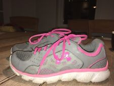 womans pink and grey under armour shoes size 5 1/2