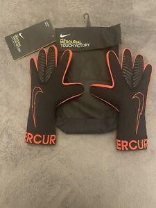 Men's / Youth Nike GK Mercurial Touch Victory Gloves Size 9 Brand New Black Red