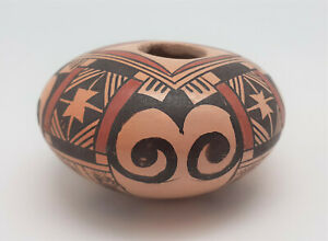 Lovely Hopi pottery bowl by Adelle Nampeyo, how big is it?