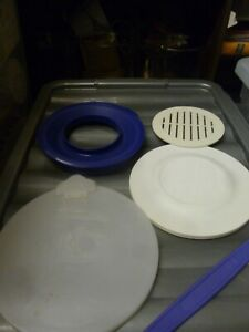 Assorted Tupperware Lids and Handle