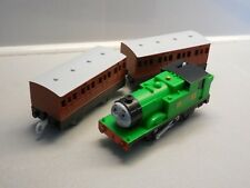 tomy trackmaster thomas the tank engine battery train oliver and coaches