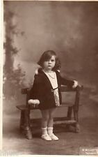 BJ317 Carte Photo vintage card RPPC Enfant mode fashion manteau banc studio