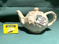 cardew design teapot the collectors club christmas party gift  2000