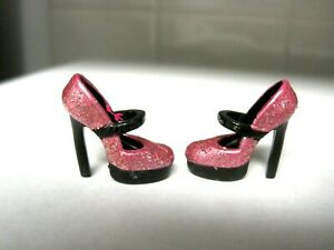 BARBIE DOLL CLOTHES/SHOES *MATTEL DESIGNED HIGH HEELS   *NEW* #1543