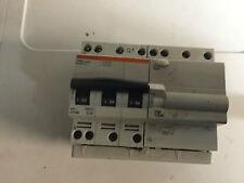 1 disjoncteurs  dt40 tetra