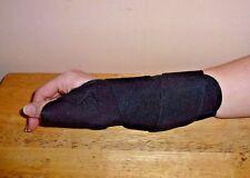 Medline Curad Universal Black Wrist and Forearm Splint Support