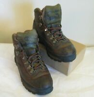 Timberland Womens Size 7.5 M Hiking Boots 95310 Ankle Lace up Dark Brown Casual