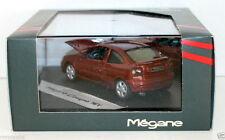 Vitesse 1/43 - 77 11 147 531 Renault Megane Coupe 16V-Rojo Caja de concesionario