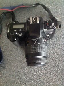 Canon EOS 500 w/ Lens WORKING