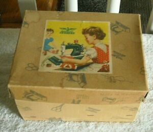 CASIGE TOY SEWING MACHINE GERMANY W BOX GREEN METAL