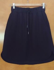 Lululemon Black Travel Skirt w/ Pockets, Size 4 Pre-Owned