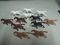 VINTAGE 25 PLASTIC TOY HORSES WITH HOLES WHITE/BLACK/BROWN COLLECTION