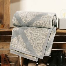 Ibena Deluxe Elegant Reversible Jacquard Woven Cotton Blend Blanket Throw Vinica