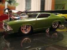 MUSCLE MACHINES 1969 CHEVROLET CHEVELLE SS 1:24 SCALE CUSTOM MODIFIED GREEN
