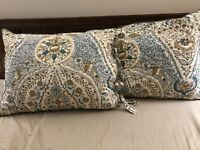 Lot 2 Pottery Barn Angie Floral STANDARD Quilted Shams Ivory Blue PAIR 20 X 26