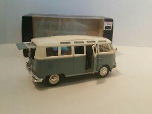 """Maisto Die-cast Volkswagen Van """"Samba"""" Green/White 1:25"""