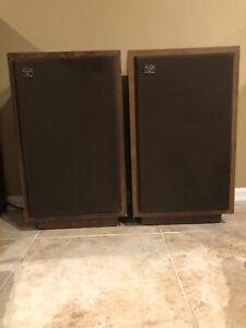 """Vintage CERWIN VEGA D-5 Floor Speakers - 12"""" woofer (pair)"""