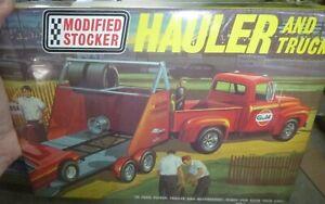 AMT 21867 MODIFIED STOCKER HAULER 1953 FORD PICKUP & TRAILER McM 1/25 KIT FS