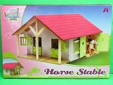 Kids Globe 610168 Pferdestall aus Holz 1:24 mit 2 Boxen und Werkstatt in Rosa