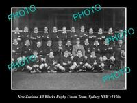 OLD POSTCARD SIZE PHOTO OF NEW ZEALAND ALL BLACKS RUGBY TEAM IN SYDNEY c1930s