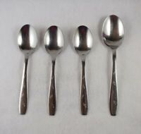 4 WALLACE 18//10 MODERN THREAD STAINLESS Oval Soup Spoons
