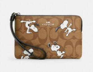 Coach X Peanuts Corner Zip Wristlet In Signature Canvas With Snoopy Print C4589
