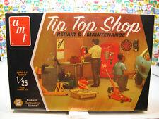 TIP TOP REPAIR SHOP AMT 1:25 SCALE PLASTIC GARAGE DIORAMA ACCESSORIES KIT