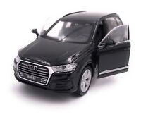 Audi Q7 Modellauto Miniatur Auto LIZENZPRODUKT 1:34-1:39 verschiedene Farben