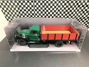 Highway 61 1946 Chevrolet Grain Truck - Green/Black - 1:16 Diecast Boxed