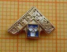 Masonic Lapel Tie Pin Badge - Past Master 8 x 12 mm -  GILT & Enamel