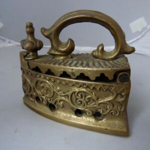 Antique brass iron for pressing clothes*