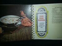 ROYAL QUEEN 1971 TREASURY OF COOKING SPIRAL BOUND COOKBOOK-Vintage-cookbook-food