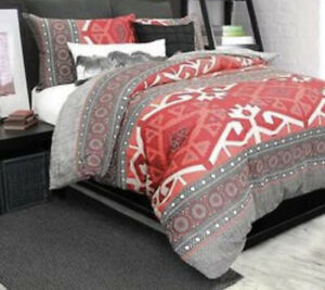 Nevada 2-Piece Cotton Duvet Cover Set - Red/Multi - Size: Twin