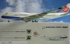 HOGAN Wings 1:200 Boeing 747-400 Cina Airlines li 1066 GRMU + Herpa WINGS Catalogo