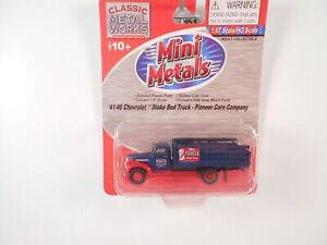 Classic-Metal-Works 1941/46 Chevy Truck Pioneer Corn - HO Scale Model