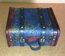 Exquisite Vintage-style small suitcase with cotton flannel inside ( Hf 040-B )