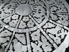 EXQUISITE VTG HAND EMBROIDERED ROUND COTTON TABLECLOTH ~ FLORAL BIRDS