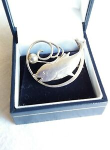 SILVER BROOCH    FISH  with Bubble