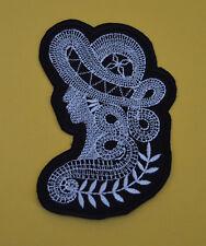 patch dame chapeau, broder et thermocollant ,11.5/7cm