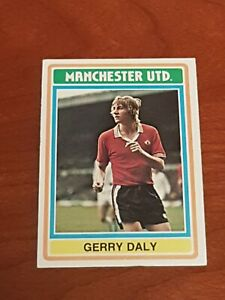Topps Football Card 1975/76 Blue/Grey Gerry Daly Manchester United No. 177
