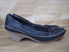 CLARKS UK 5 1/2 BLACK LEATHER WOVEN FRONT SLIP ON SHOES