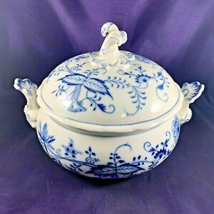 Meissen BLUE ONION (CROSS SWORD BACKSTAMP) Covered Vegetable Bowl