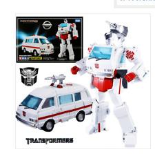 Transformers Masterpiece MP-30 Ratchet Nissan Cherry Vanette Figure