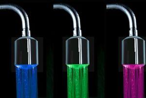Hahn Leuchtend LED Design 3 Farben Nach Warm-/Kühlwasserbehälter Ohne Akkus
