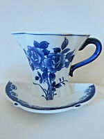 Vintage blue and white ceramic floral chinese tea cup wall pocket vase planter