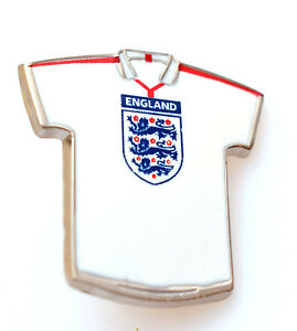 Metal Pin Badge Brooch England T-Shirt Three 3 Lions National Football Team Kit